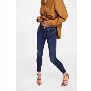 Zara Woman Medium Rise Slim fit skinny jeans